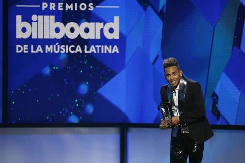 Ozuna arrasa en los Premios Billboard de la Música Latina con once galardones