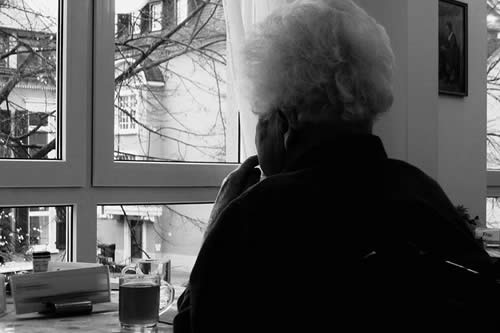 Proyecto internacional descubre cinco genes que aumentan riesgo de Alzheimer