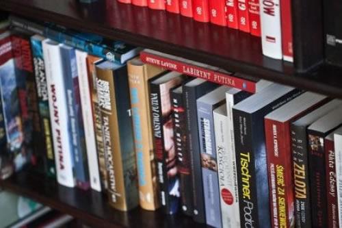 Bolivia recolecta miles de libros para sus bibliotecas comunitarias