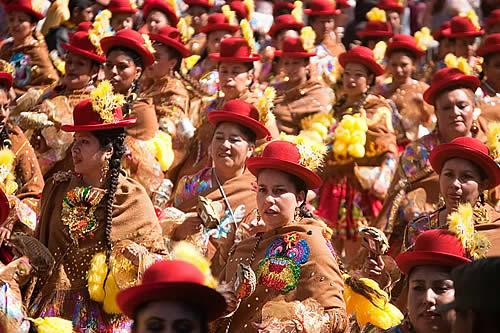 Bolivia anuncia un festival de danzas nacionales en defensa del patrimonio folclórico