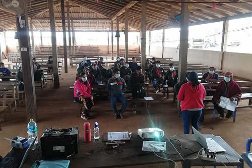 BDP socializa el crédito SIBOLIVIA con los productores de los valles cruceños