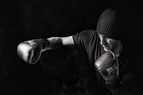Un luchador de kickboxing ecuatoriano fallece tras ser noqueado de una patada