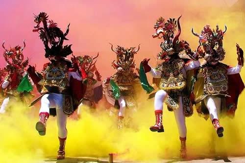 Confirman realización del Carnaval de Oruro 2022 e instituciones garantizan inmunización masiva contra el COVID-19