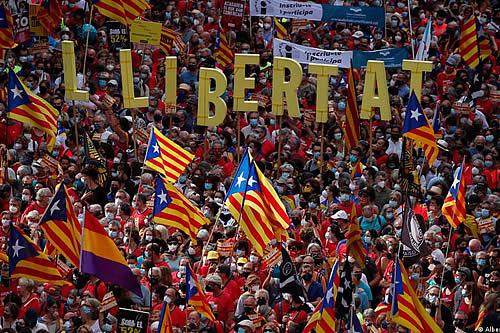 El independentismo catalán vuelve vuelve a las calles, pero con menos fuerza