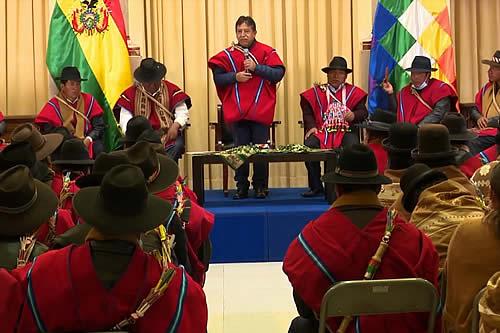 Vicepresidente y Ponchos Rojos se reúnen para hablar de gestión y coyuntura