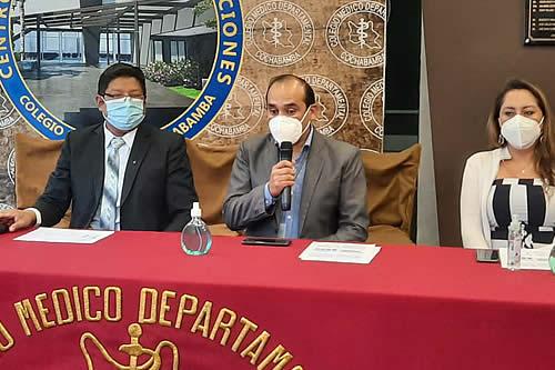 Médicos presentan estudio que revela la situación de anticuerpos en personal de salud y piden tercera dosis