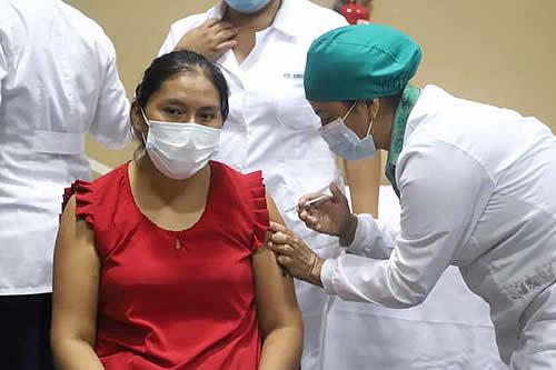 Sedes de Santa Cruz insiste al Gobierno que 'devuelva' 47 mil dosis de vacunas