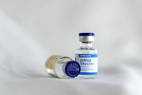 Pfizer comienza los ensayos clínicos en humanos de un fármaco por vía oral contra el covid-19