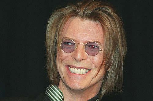 Venden una obra de David Bowie adquirida por $4 por miles de dólares