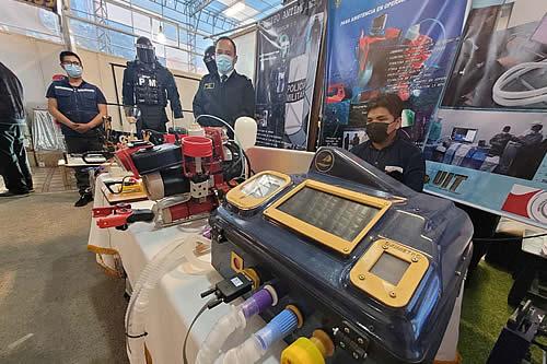 """Armada Boliviana expone un """"dron subacuático"""" y otros proyectos de innovación tecnológica en la FIPAZ"""