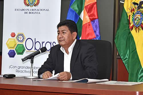 Ministro de Obras Públicas invita al gobernador de Santa Cruz y al alcalde de San Ignacio de Velasco a una mesa de trabajo
