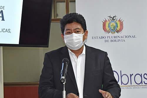 Ministro Montaño insta a transportistas que continúan en bloqueo a levantar la medida ya que firma de acuerdo cerró el conflicto