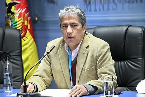 Ministro Novillo afirma que en noviembre de 2019 las FFAA rompieron la cadena de mando y se subordinaron a un grupo de civiles
