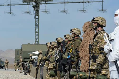 Kirguistán y Tayikistán pactan alto al fuego y repliegue de tropas
