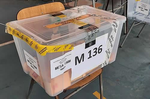 Chile abre las urnas e inicia elección de primarias presidenciales