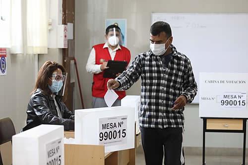 Segunda vuelta presidencial: Peruanos acuden a las urnas para elegir entre Fujimori y Castillo