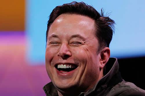 Elon Musk puede añadir a su fortuna otros 32.400 millones de dólares en acciones de Tesla