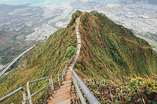 Aprueban la eliminación de las famosas 'escaleras al cielo' de Hawái debido a su alto costo de mantenimiento
