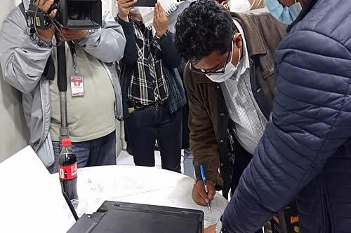 Cochabamba: Gobierno logra acuerdos con productores y levantan bloqueo en Parotani