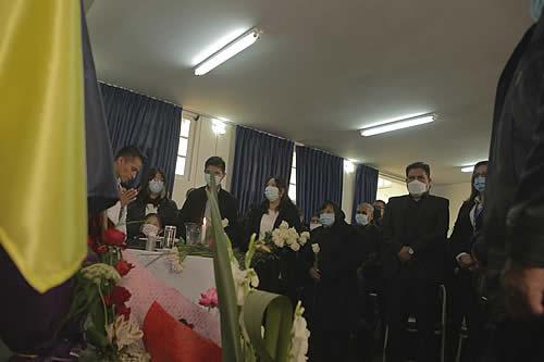 Ministro de Salud da el último adiós a funcionarios que perecieron en accidente aéreo
