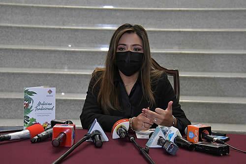 Viceministra de Comunicación destaca cuatro hechos que concretan la lucha contra el COVID-19 en Bolivia