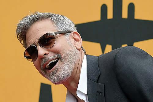 Yoga con calor y un cerdo como mascota: los cinco secretos del atractivo de George Clooney