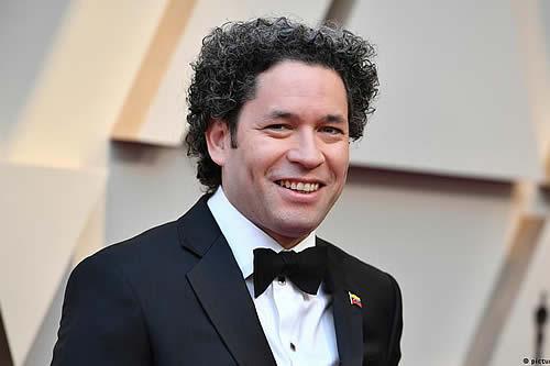 Gustavo Dudamel es nuevo director musical de Ópera de París