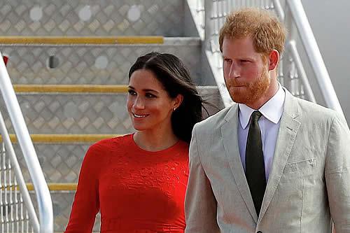 """Harry y Meghan asestaron un golpe a la monarquía """"peor que la abdicación de Eduardo VIII"""""""