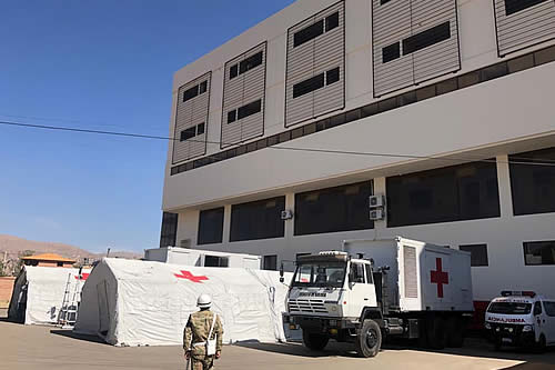 El Gobierno entrega hospital móvil de campaña en Cochabamba y anuncia instalación de dos generadores oxígeno