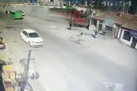 Camión fuera de control mata al menos a cinco personas en China