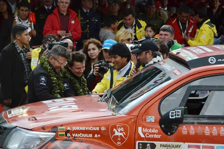 Morales pide que La Paz sea capital del Dakar y dice que pilotos serán los mejores embajadores