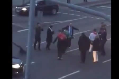 Disparan al aire y cortan el tráfico para celebrar una boda turca en Alemania