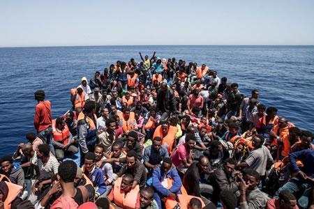 Más de 11.000 refugiados cruzaron el Mediterráneo en lo que va de 2017