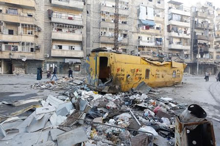 Al menos 26 muertos por bombardeos contra una ciudad del norte de Siria