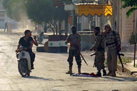 Facción radical siria toma 17 localidades tras choques contra otros grupos