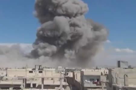 Al menos 5 muertos en bombardeos del régimen en ciudad siria de Homs