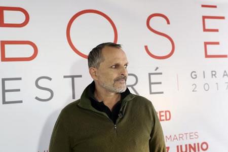 Miguel Bosé ofrecerá un concierto gratis en el Zócalo de la capital mexicana