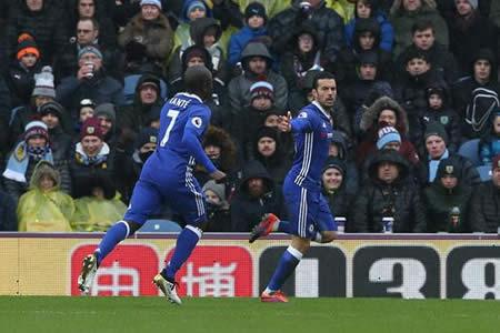 Pedro y Diego Costa llevan al Chelsea a cuartos de final