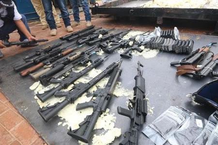 Bolivia tiene la hipótesis de que arsenal incautado tenía como destino Brasil