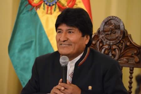 """Morales: equipo jurídico discutió una propuesta para """"demoler"""" la contramemoria chilena"""