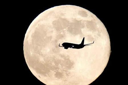 Turistas espaciales podrán sobrevolar la Luna dentro de 5 años, según Rusia