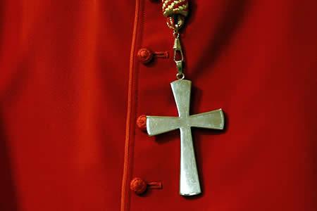 Un pastor cristiano grabó videos abusando durante años de una adolescente mexicana y sigue libre