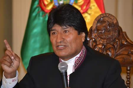 Morales admira a Cuba por frenar intromisión del imperio y hacer respetar dignidad de Latinoamérica