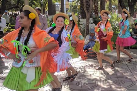 Más de 8.000 mujeres participarán de la entrada de 'Comadres' en Tarija