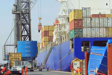 Subió 16% el movimiento de carga boliviana en Arica