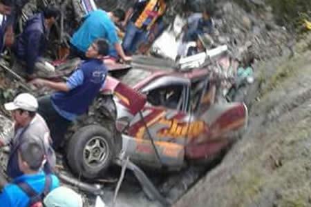 Embarrancamiento en los Yungas deja cuatro fallecidos