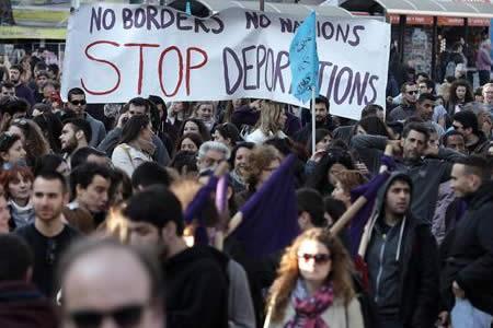 Grecia registra más llegadas de migrantes en cinco días que en un mes y medio