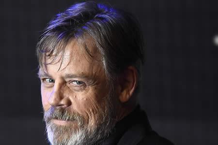 Protagonista de 'Star Wars' publica la que podría ser la primera foto de Luke Skywalker