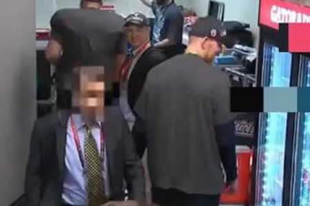 Acusan al exdirector de un diario mexicano de robar el jersey de Tom Brady tras el Super Bowl