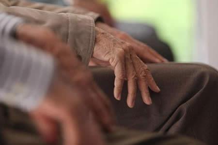 Desarrollan sistema de puntaje que estima riesgo de enfermedad de Alzheimer